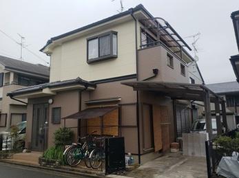 日本ペイント パーフェクトトップで塗り替えさせていただきました。