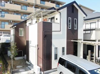 外壁 アステックペイント リファインSi 屋根 JPMフッ素UVコートで塗り替えさせていただきました。