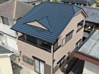 外壁:アステックペイント リファインMF 屋根:JPM 無機UVコートで塗り替えさせていただきました。