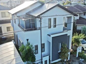 外壁 アステックペイント リファインSi 屋根 日本ペイント ファインシリコンベストで塗り替えさせていただきました。
