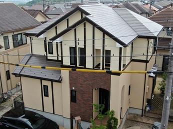 外壁 アステックペイント リファインSi 屋根 フッ素UVコートで施工させていただきました。