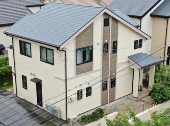 外壁 アステックペイント リファインSi 屋根 JPMフッ素UVコートで施工させていただきました。