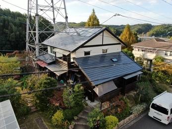 屋根 JPNフッ素UVコート、外壁 アステックリファインMF・キシラデコールで施工させていただきました。
