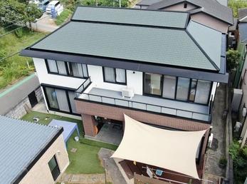 外壁 日本ペイント パーフェクトトップ 屋根 JPMフッ素UVコートで施工させていただきました。