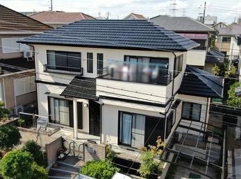 屋根 JPNフッ素UVコート、外壁 アステックペイント シリコンREVO1000を使用し施工させていただきました。