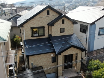 屋根 JPNフッ素UVコート、外壁 菊水化学工業 SPパワーフッ素で施工させていただきました。