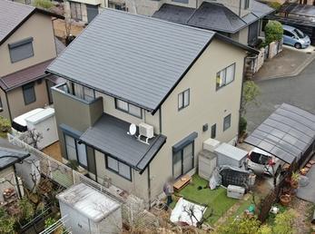 屋根 日本ペイント パーフェクトベスト、外壁 日本ペイント パーフェクトトップで施工させていただきました。