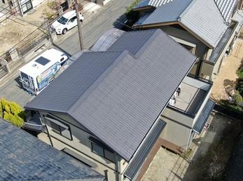 屋根 アステックペイント スーパー遮熱サーモSiで施工させていただきました。