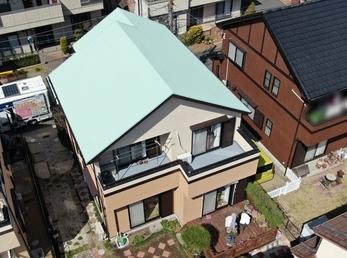 屋根・外壁 日進産業ガイナで施工させていただきました。