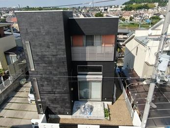 屋根・JPMフッ素UVコート、 外壁・アステックペイントリファインSiで施工させていただきました。