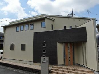 屋根・JPMフッ素UVコート、外壁・日本ペイントパーフェクトトップで施工させていただきました。