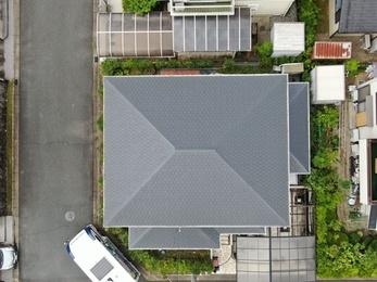 屋根・日本ペイントファインシリコンベストで施工させていただきました。