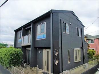屋根・日本ペイントパーフェクトベスト、外壁・アステックペイントシリコンREVO1000で施工させていただきました。