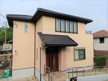 屋根・アステックペイント スーパー遮熱サーモSi、外壁・アステックペイント リファインSiで施工させていただきました。