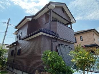 屋根・アイジー工業スーパーガルテクト、外壁・アステックペイントリファインMFで施工させていただきました。