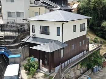 屋根・日本ペイント ファインパーフェクトベスト、外壁・アステックペイント シリコンREVO1000で施工させていただきました。
