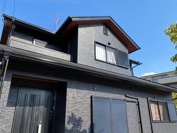 屋根・オークマ シーガード、外壁・アステックペイント リファインMFで施工させていただきました。